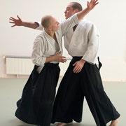shōmen-uchi kokyū-nage 正面打ち呼吸投げ