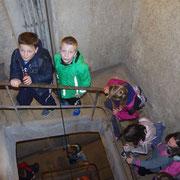Visite des galeries du Fort Casso par les élèves.