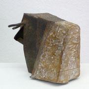 Eva Ademi - BULLE (BULL) - Stahl, Bienenwachs, Holz (steel, beeswax, wood), 16 x 15, 5 x 10 cm, 2009