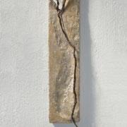 DELTA - Bienenwachs, Stahl, auf Holz (beeswax, steel, on wood), 81 x 14 x 6 cm, 2009