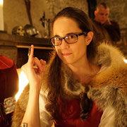 2016 Geladen bei Lord Owen of Clun  .. Luna um den Finger gewickelt... ;O)