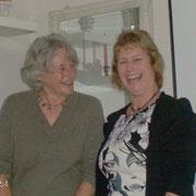Sylvia Röhe bedankte sich bei Marina Hoyer für den kurzweiligen Nachmittag.