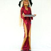 figura de bruja camarera