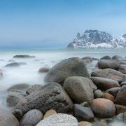 Lofoten Winterlandschaft - bewegtes Wasser