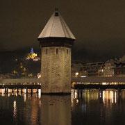 Kappelbrücke an Weihnachten