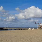 "The beach facing the convention hall ""Palais des congrès"""