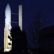Le lanceur Ariane sur l'esplanade de La Citée de l'Espace.