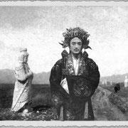 Salvador Dali costumé pour la fête du double neuf, photographie de Li Xiao-Tu.