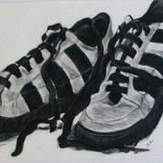 Turnschuh, Bleistift& Kohle auf Papier 50x70cm (unverkäuflich)