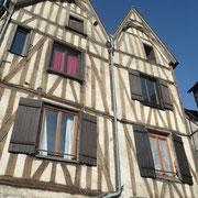 Rue de la Marine - Anciennes étuves, à la fois établissement de bains et d'hygiène, et lieu de prostitution pour la jeunesse aisée.