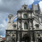 Eglise Saint-Pierre était jusqu'à la fin du 19è siècle l'église des vignerons et des bouchers.
