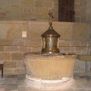 Fonds baptismaux de la collégiale Saint-Martin