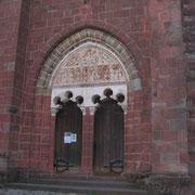 Collonges, le porche de l'église St Pierre