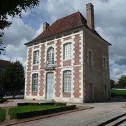 """le pavillon des Arquebusiers - La compagnie des Arquebusiers est une descendance de l'ancienne compagnie du """"noble feu de l'arbalète"""" fondée en 1382."""