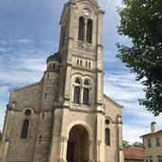 Eglise de style néo-roman de CRAS-SUR-REYSSOUZE