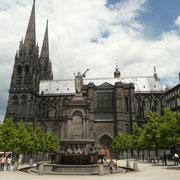 Place de la Victoire et cathédrale Notre-Dame-de-l'Assomption