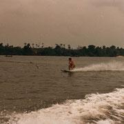 1985 - Ski nautique sur le lagon
