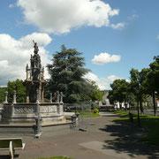 Fontaine d'Amboise, place de la Victoire