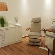 Modernste Ausstattung im Behandlungsraum 2