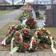 Frisches Grab Erich Reck  - Friedhof Steinhausen
