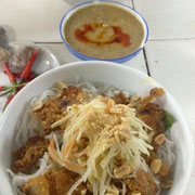 Bun Thit Nuong - Noodles, grilled porks, vegetable and peanut sauce