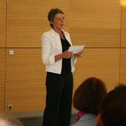 "Frau Rosemarie Binder vom Kulturverein ""Kunst-Dünger""."