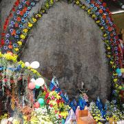 ... hier eine Anbetungsstätte am Huitepec, Chiapas...
