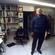 Gian Butturini nella sua Casa/Studio a Brescia 2000