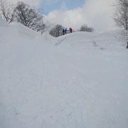 「極キャン2013-3」2日目、少しの晴れ間を突いてスノートレッキング