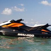 La Sea Doo 215 GTR con capacidad para tres personas.