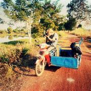 Unterwegs in der Umgebung mit dem Moped