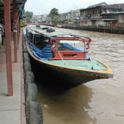 Kanalboot auf dem Saen Seab