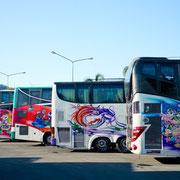Mit dem bunten Bus durch Thailand