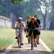 Fahrradtour während der Thanatharee- Kreuzfahrttour