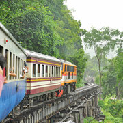 Fahrt mit der Todeseisenbahn in Kanchanaburi