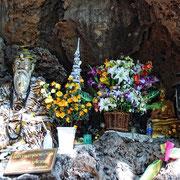 Tempelhöhle zwischen Mae Hong Son und Mae Sariang