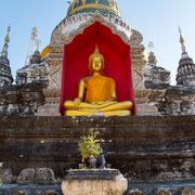 Buddhistische Statuen