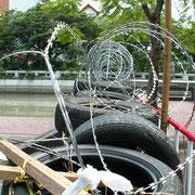 Straßenblockaden in der Nähe des Flughafen von Bangkok