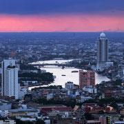 Der Chao Phraya bei Sonnenuntergang