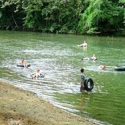 Tubbing auf dem Khao Sok River