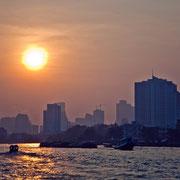 Sonnenuntergang am Chao Phraya
