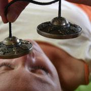 sonotherapie-linstantduphenix-bien-etre-massages-sonores