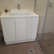 Tempe Ensuite Renovation After With Custom Made Wall To Wall Shower Screen