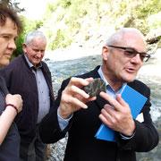 P. Josef Rosenast SAC liebt die Steine in der Melchaa...