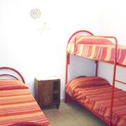 camera con tre letti singoli
