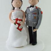 Tortenfigur Brautpaar Uniform