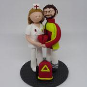 Tortenfigur Brautpaar Sanitäter mit Krankenschwester