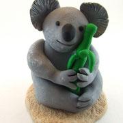Tortenfigur Koalabär mit Bambus
