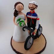 Tortenfigur Brautpaar mit Fahrrad
