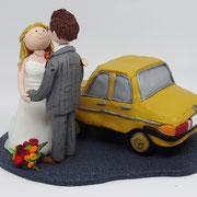 Tortenfigur Brautpaar mit Auto